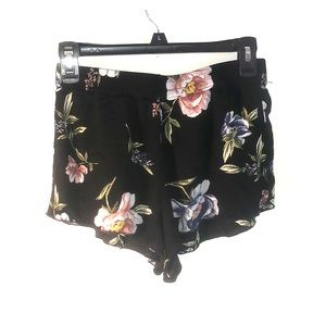 Kendall's&kylie floral shorts